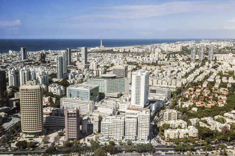 Vista superior de Tel Aviv de la plataforma de observación del centro redondo de Azriel de la torre fotografía de archivo