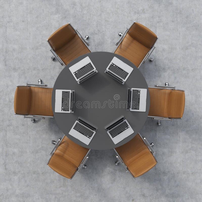 Vista superior de una sala de conferencias Una mesa redonda negra, seis sillas de cuero marrones y seis ordenadores portátiles In stock de ilustración
