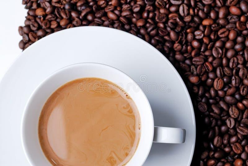 Vista superior de una taza llenada café fotografía de archivo libre de regalías