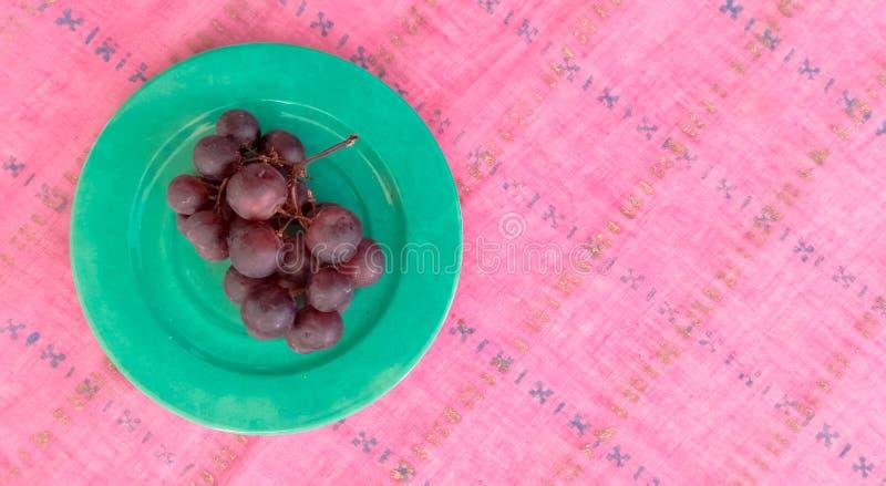 Vista superior de uvas frescas fotos de stock