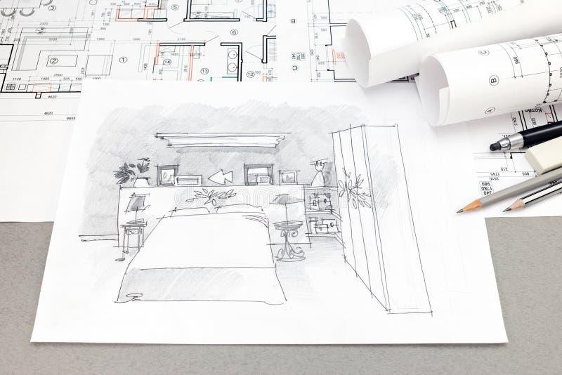 Vista superior del bosquejo a mano arquitectónico, del modelo y del penci foto de archivo libre de regalías