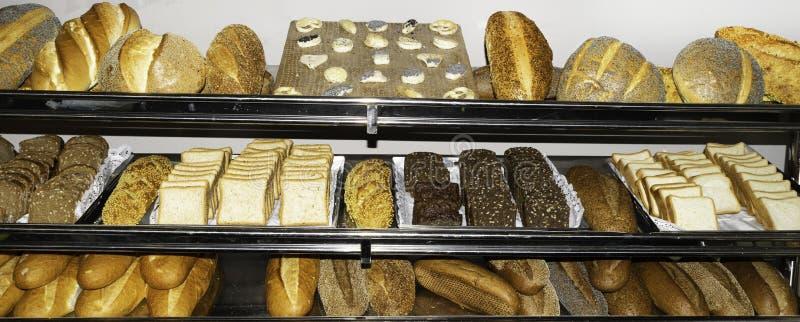 Vista superior del surtido de diferente tipo de panadería del cereal: pan imágenes de archivo libres de regalías