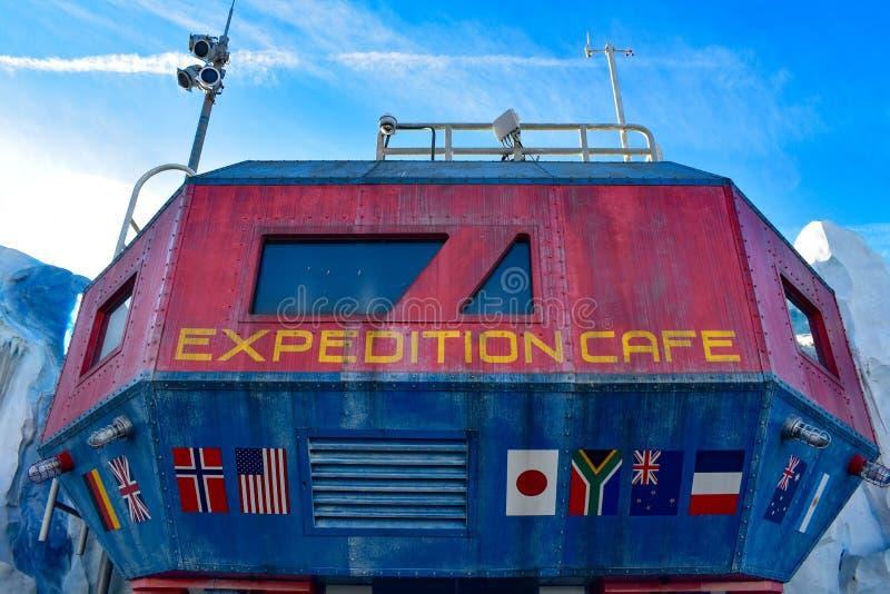 Vista superior do café colorido em Seaworld na área internacional da movimentação foto de stock