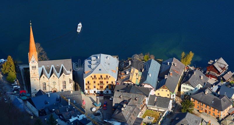 A vista superior do Hallstatt e o lago Hallstater consideram, Áustria foto de stock royalty free