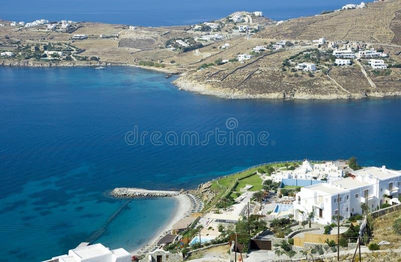 Vista superior do hotel no console de Mykonos foto de stock royalty free