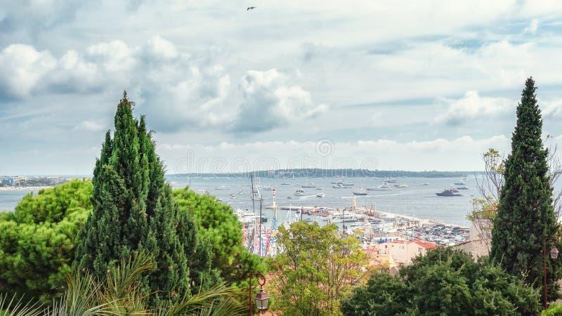 Vista superior do porto de Cannes fotografia de stock