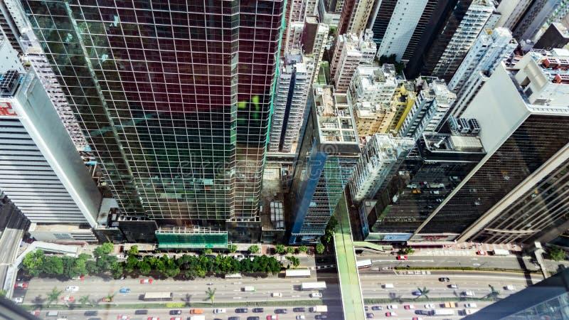 Vista superior dos arranha-céus em uma cidade grande Financeiro e centros de negócios em Hong Kong fotos de stock royalty free