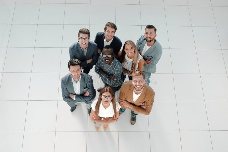 Vista superior equipe multinacional bem sucedida do negócio fotografia de stock