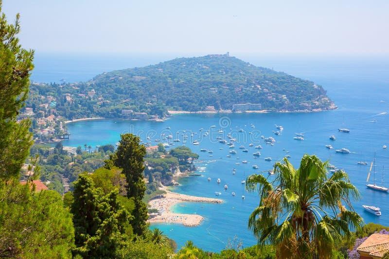 Vista superior hermosa del ` Azur de Cote d de la bahía fotografía de archivo