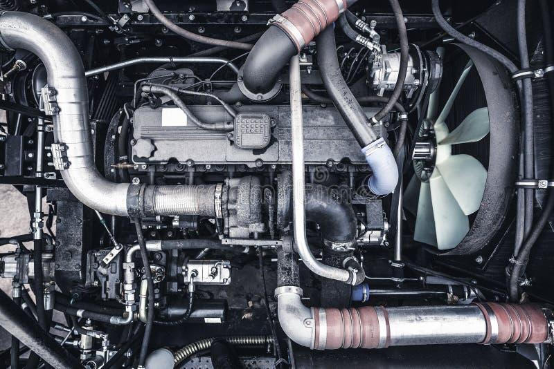 Vista superior motor del nuevo tractor agrícola o cosechadora o motor o máquina segador diesel moderno del coche fotos de archivo
