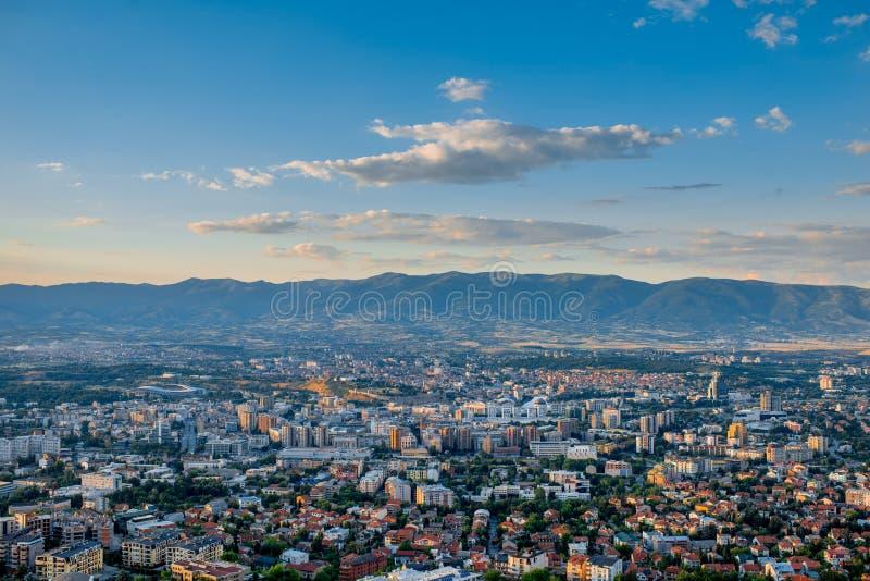 Vista superior na cidade de Skopje em Macedônia imagem de stock