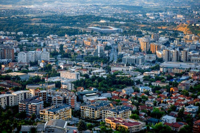 Vista superior na cidade de Skopje em Macedônia fotografia de stock