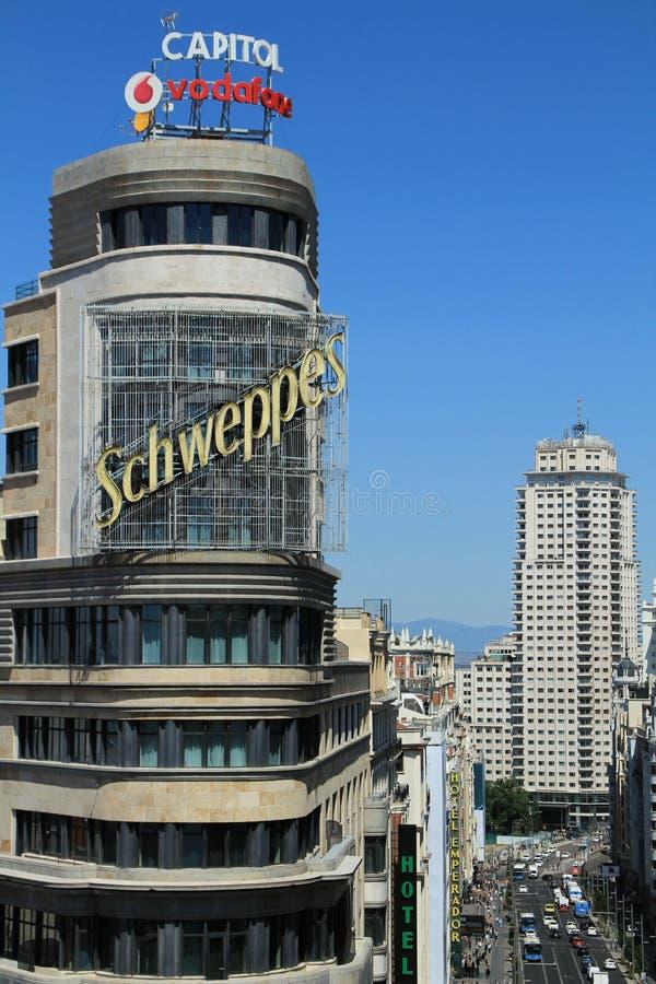 Vista superior panorámica de la calle de Gran Via en Madrid fotos de archivo
