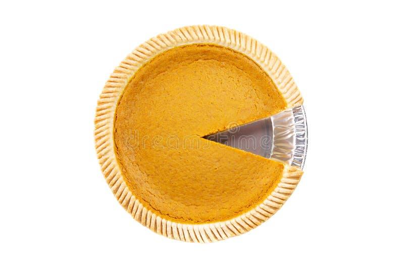 Vista superior - tarte de abóbora delicioso fresco com a parte que falta no fundo branco foto de stock royalty free