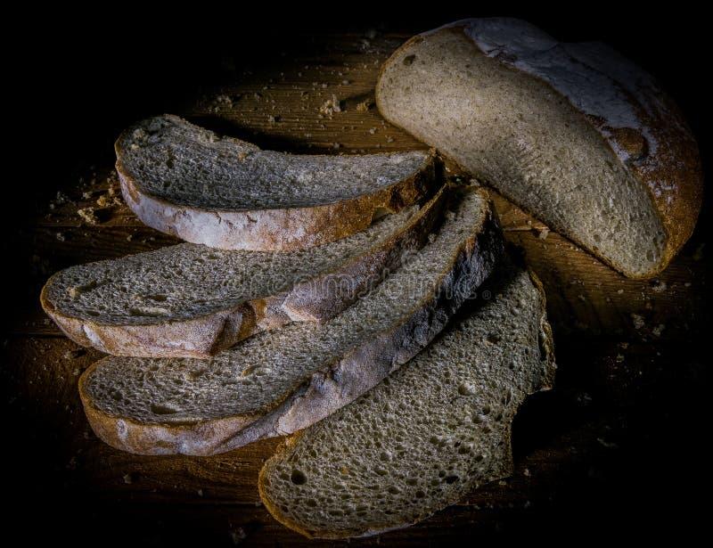 Vista superiore affettata del pane di segale, fette di pane fotografia stock