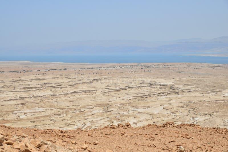 Vista superiore dalla fortezza di Masada fotografie stock libere da diritti