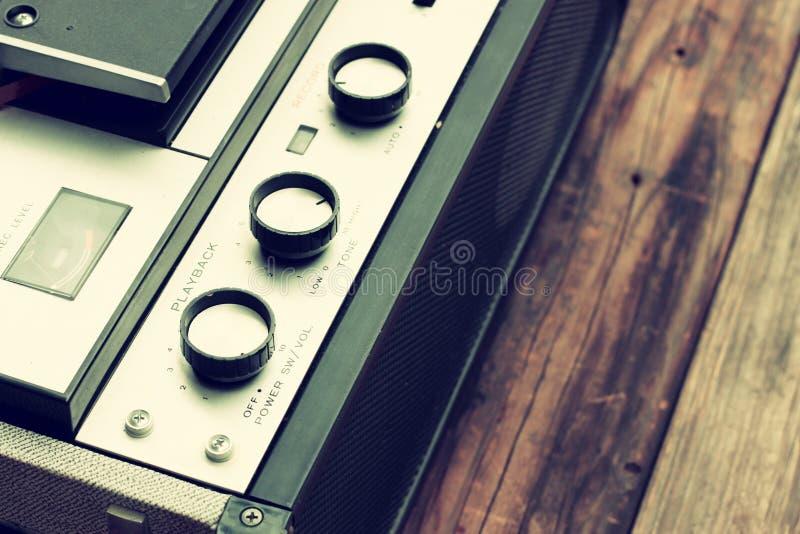 Vista superiore del registratore d'annata bobina a bobina fotografia stock libera da diritti