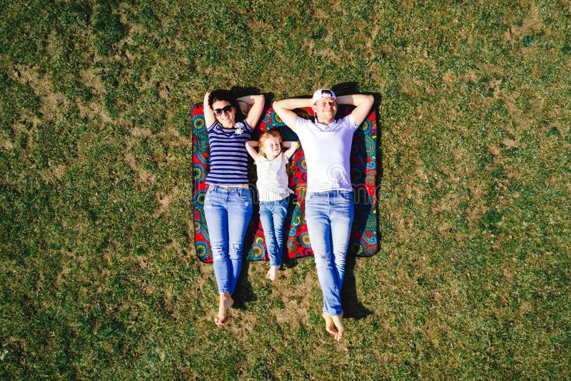 Vista superiore del ritratto della famiglia fotografia stock libera da diritti