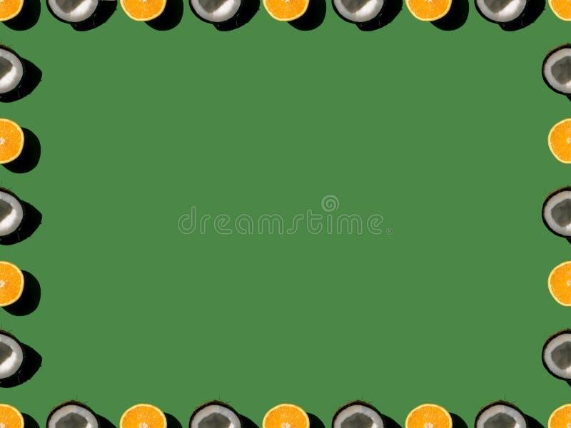 vista superiore del telaio fatta dalle arance mature e dalle noci di cocco divise in due illustrazione vettoriale