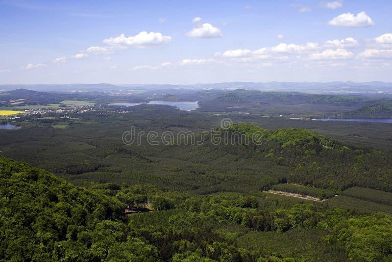 Vista superiore della collina di terra verde immagini stock libere da diritti