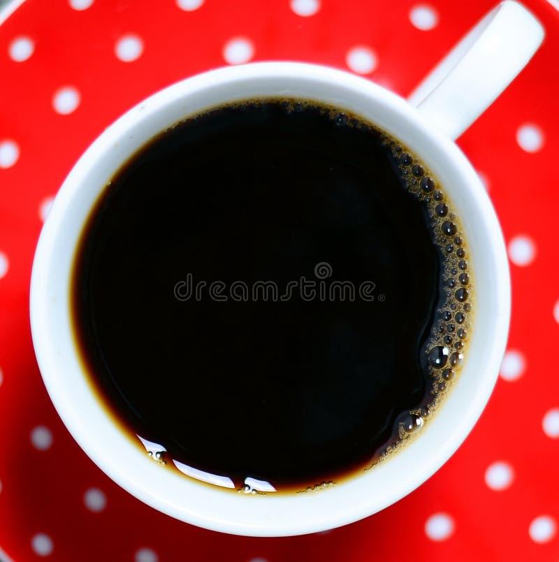 Vista superiore della tazza di caffè d'annata rossa fotografie stock libere da diritti