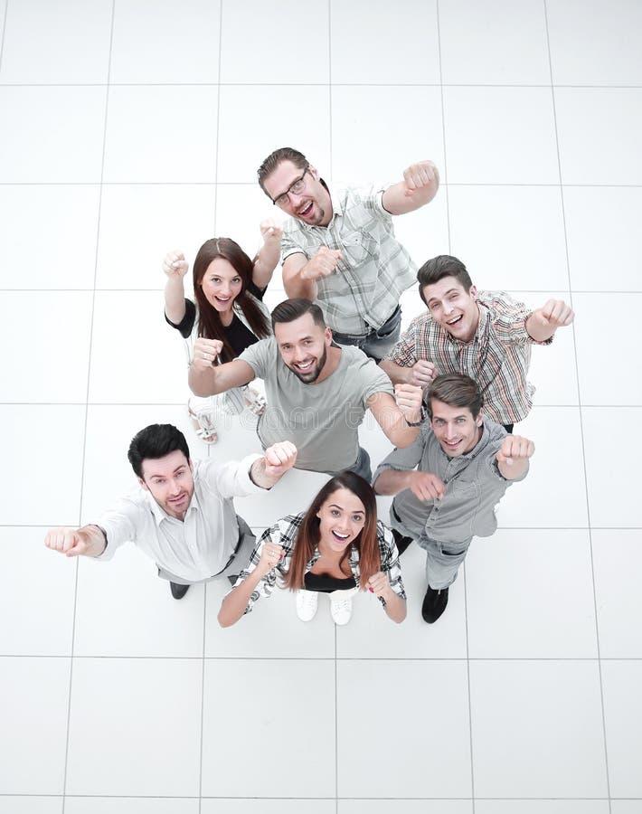Vista superiore gruppo molto felice di affari fotografia stock libera da diritti