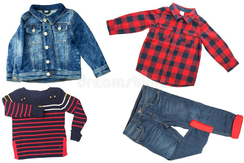 Vista superiore sull'insieme del ragazzo del bambino dei vestiti Collage dell'abbigliamento dell'abito Jeans, camicia e rivestime immagini stock libere da diritti