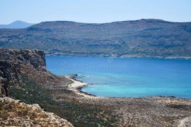 Vista superiore sulla spiaggia dalla fortezza, Gramvousa, isola di Creta, Grecia del mare fotografia stock libera da diritti