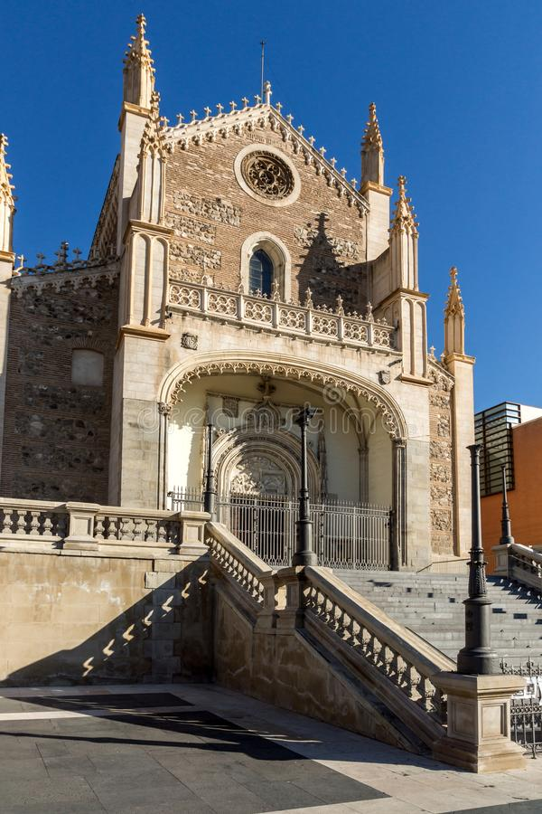 Vista surpreendente da igreja de San Jeronimo el Real na cidade do Madri, Espanha fotos de stock royalty free