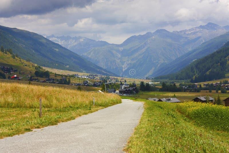 Vista svizzera delle alpi immagine stock libera da diritti