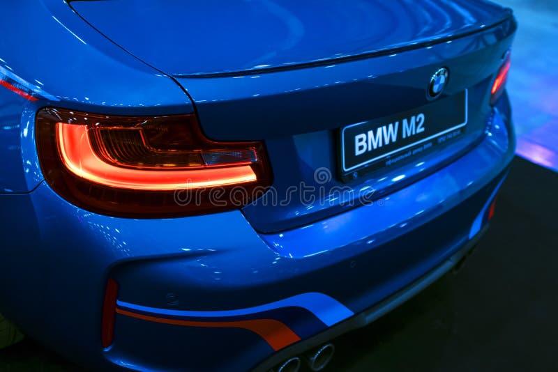Vista traseira de um carro de esportes de BMW M2 M Performance Edition Detalhes do exterior do carro foto de stock royalty free