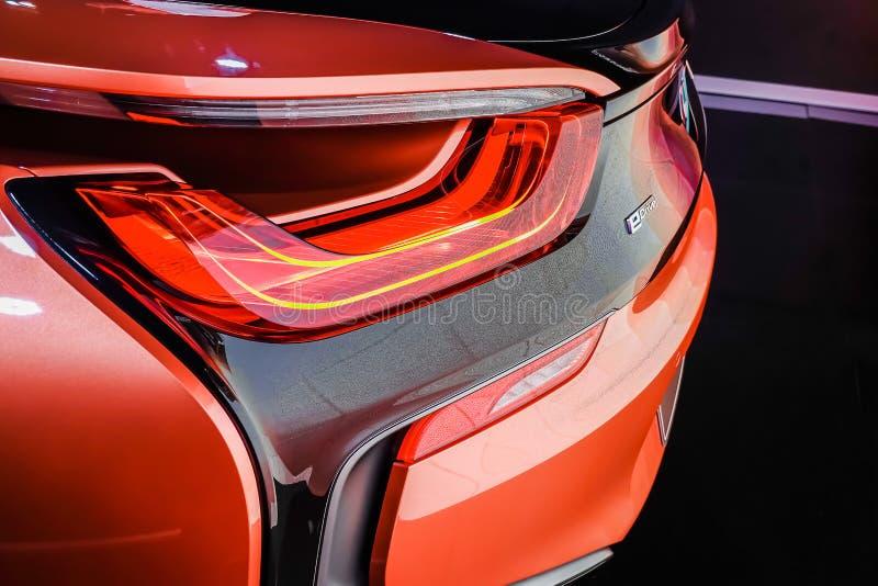 Vista traseira de um carro de esportes da barata de BMW i8 apresentado na exposição automóvel internacional 2019 de Banguecoque d imagem de stock