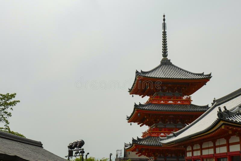 Vista traseira do pagode Kiyomizu-dera, formalmente Otowa-san Kiyomizu-dera, ? um templo budista independente em Kyoto oriental fotos de stock