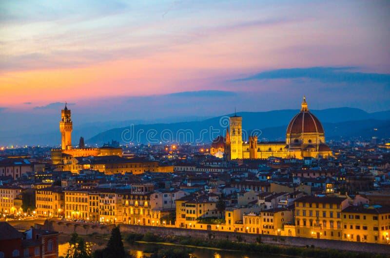 Vista uguagliante panoramica aerea superiore della città di Firenze con la cattedrale di Santa Maria del Fiore dei Di di Cattedra fotografie stock