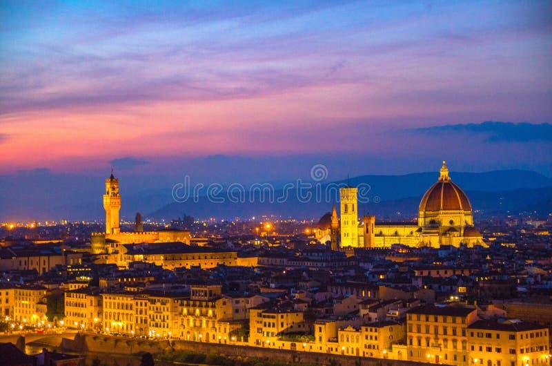 Vista uguagliante panoramica aerea superiore della citt? di Firenze con la cattedrale di Santa Maria del Fiore dei Di di Cattedra fotografia stock