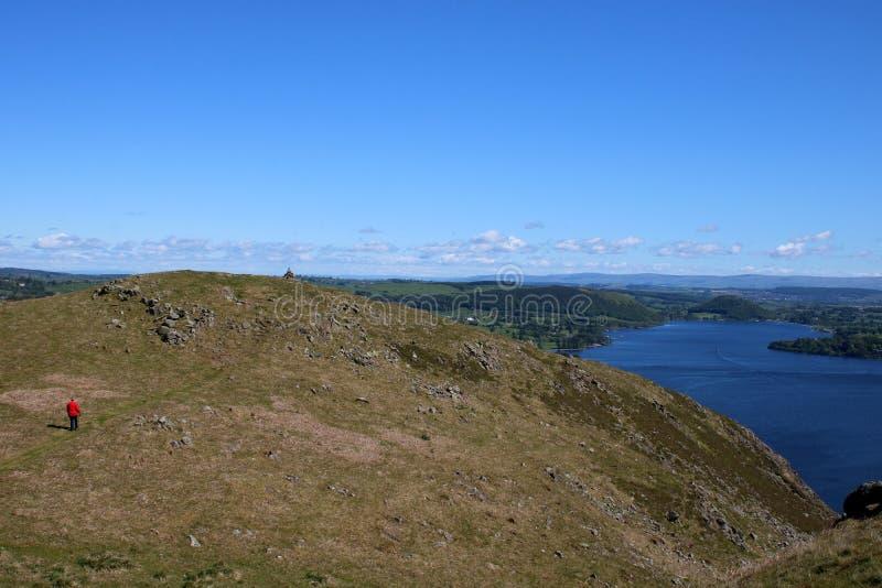 A vista Ullswater à ponte de Pooley de Hallin caiu fotos de stock