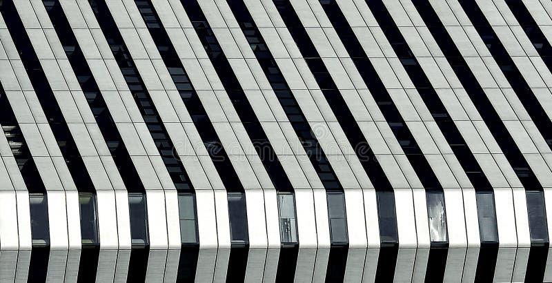 Vista urbana, construção urbana, detalhes da arquitetura e fragmento em preto e branco, fragmento da arquitetura no pho preto e b imagens de stock