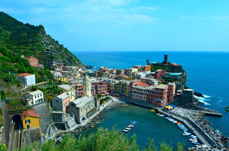 Vista a Vernazza all'Italia fotografia stock