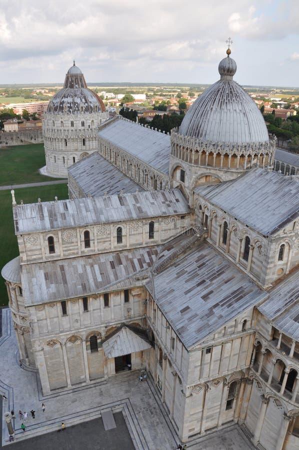 Vista vertical da torre Pisa foto de stock
