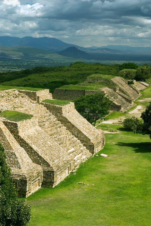 Vista von Monte Alban lizenzfreie stockbilder