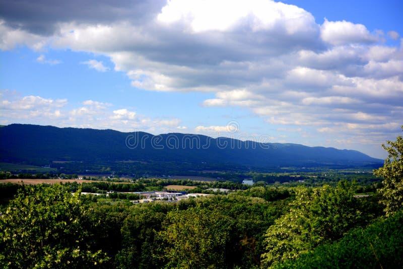 Vista y caminos de Pennsylvania imagenes de archivo