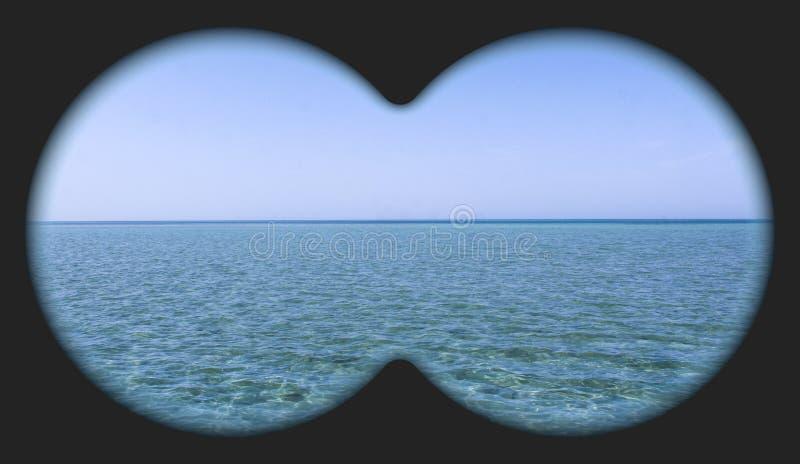 Vistas al mar con prismáticos fotografía de archivo libre de regalías