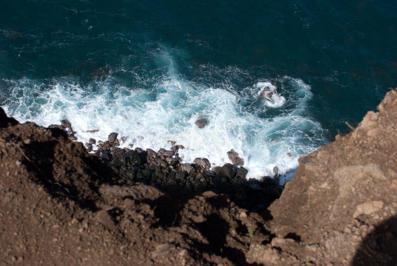 Vistas bonitas da costa norte de Maui, tomadas da estrada de enrolamento famosa a Hana Maui, Havaí fotos de stock royalty free
