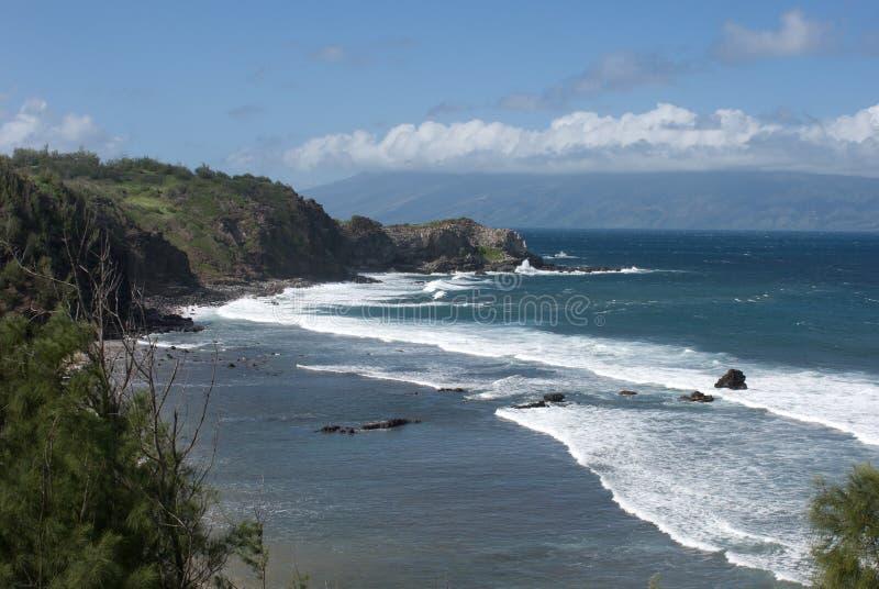Vistas bonitas da costa norte de Maui, tomadas da estrada de enrolamento famosa a Hana Maui, Havaí fotografia de stock royalty free