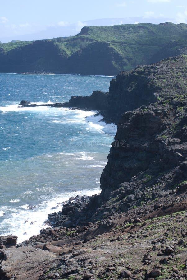 Vistas bonitas da costa norte de Maui, tomadas da estrada de enrolamento famosa a Hana Maui, Havaí imagens de stock royalty free