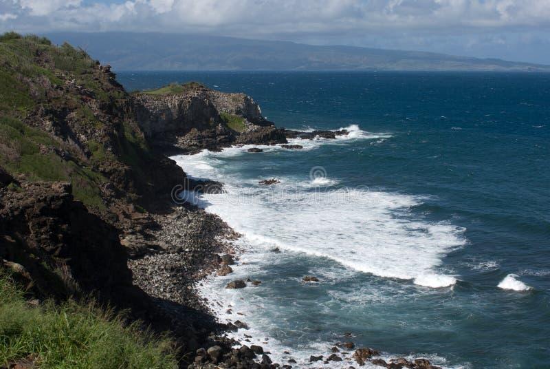 Vistas bonitas da costa norte de Maui, tomadas da estrada de enrolamento famosa a Hana Maui, Havaí foto de stock