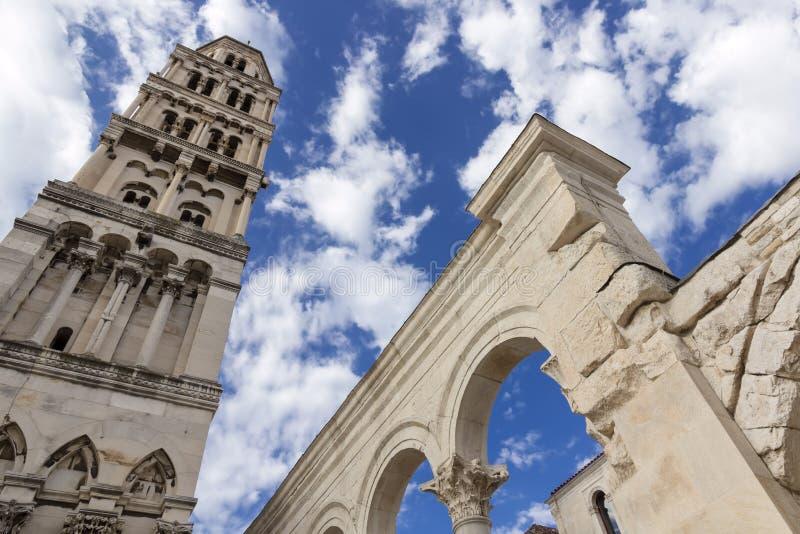 Vistas de Croacia Fractura hermosa de la ciudad Paraíso croata fotos de archivo