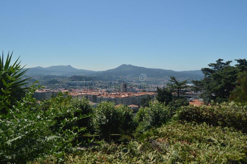 Vistas de la ciudad de Vigo From El Monte Del Castro Naturaleza, arquitectura, historia, viaje 16 de agosto de 2014 Vigo, Ponteve imagen de archivo libre de regalías