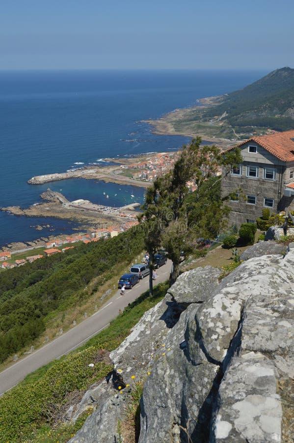 Vistas del chalet y del puerto del guardia de Castro De Santa Tecla In The Arquitectura, historia, viaje 15 de agosto de 2014 La foto de archivo libre de regalías