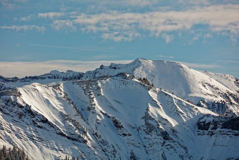 Vistas do maciço nevado de Schoener Mann de Schwarzenberg imagens de stock royalty free